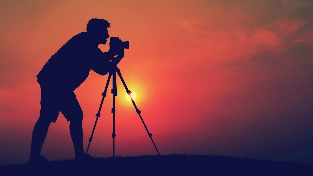 التقاط صور وبيع بعض منها لمواقع التصوير الفوتوغرافي