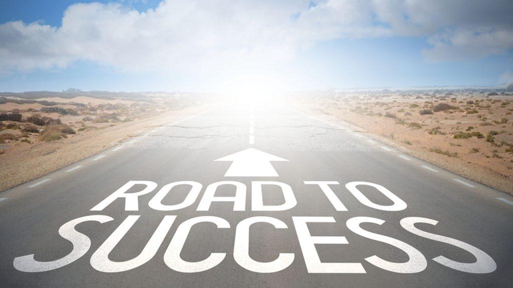 طريق النجاح غالبًا مايكون مُحاط بالتحديات والمصاعب
