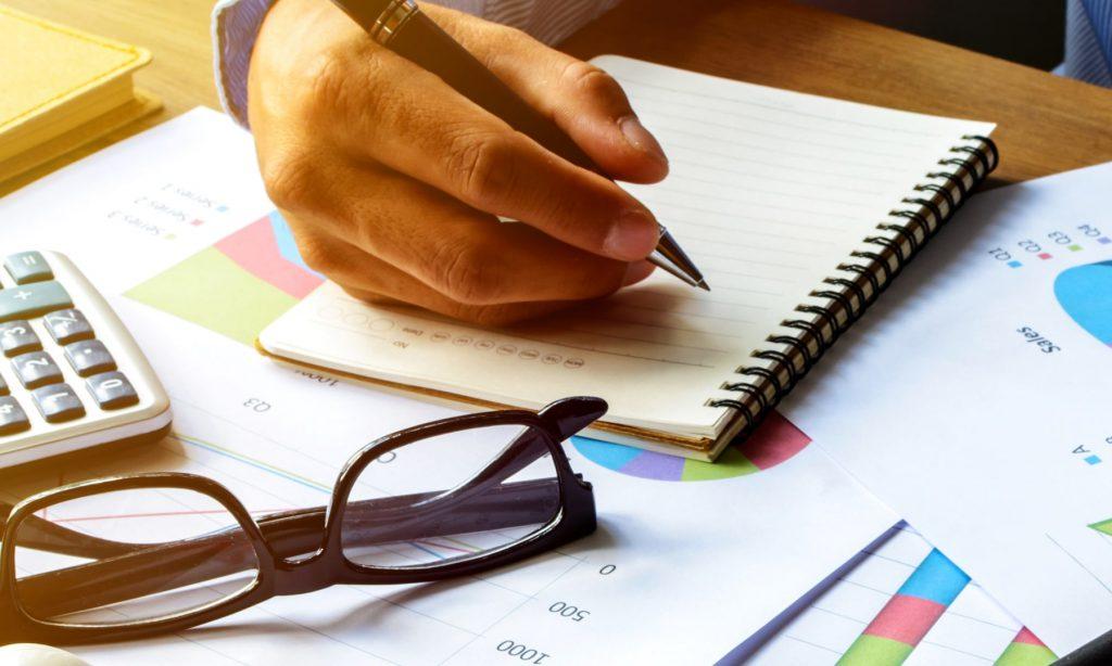 اكتب أهدافك التي تدخر المال من أجلها
