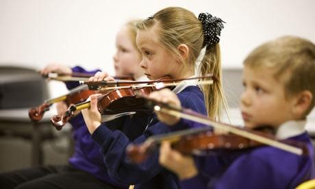 ما هي أهمية تعلم الأطفال للموسيقى ؟