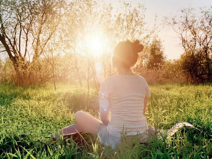 عرّض نفسك للضوء الساطع مباشرةً عند الاستيقاظ