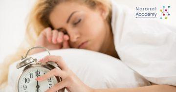 خطوات سهلة للتعود على الاستيقاظ مبكرًا بعد فترة الإجازة