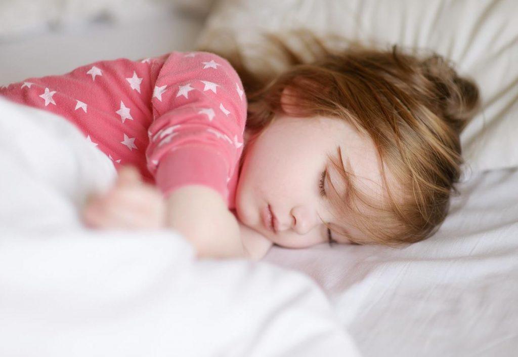 الحصول على نوم هادئ قبل يوم استئناف المدرسة