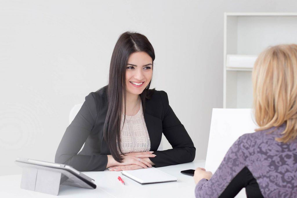 حقق نجاحًا ملحوظًا في المقابلة الوظيفية الأولى بإتباع هذه النصائح