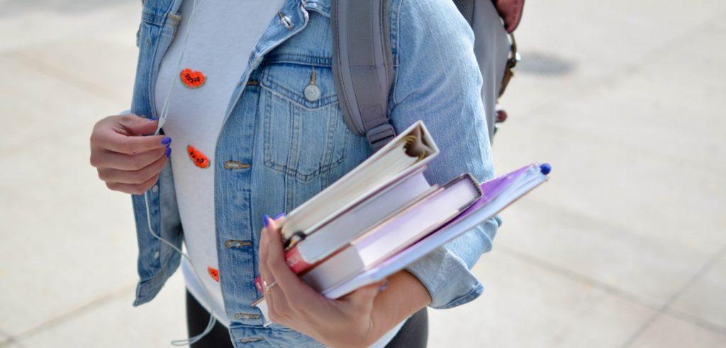 تعاني من التأخير.. تعلّم كيف تستعد لمدرستك أو جامعتك سريعًا