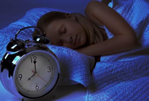 اسمح لنفسك بالنوم في وقت مبكر
