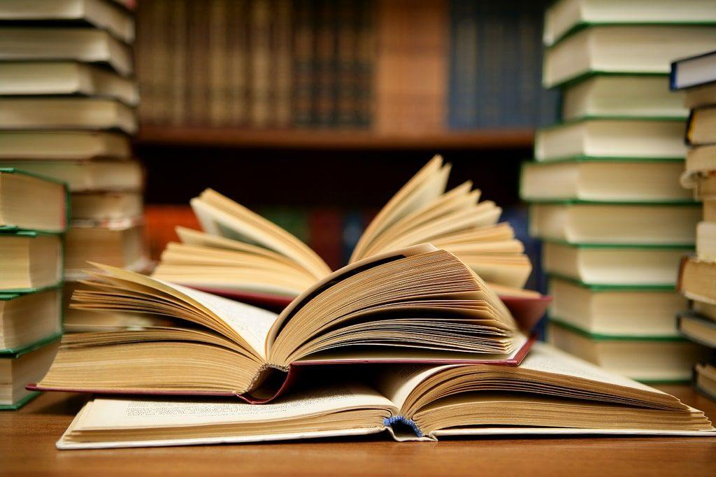 اقرأ كثيرًا، وتعلم من الآخرين