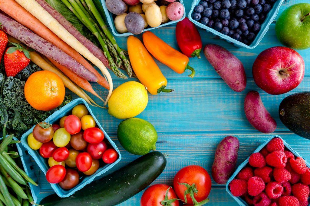 تناول المزيد من الخضروات والفواكه