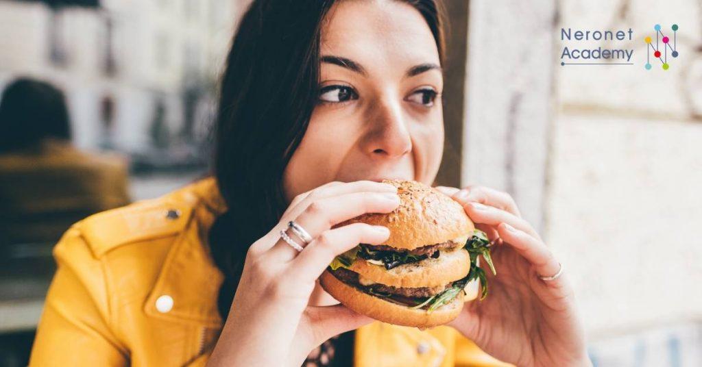 emotional الأكل العاطفي: وسيلة لتحسين المزاج!